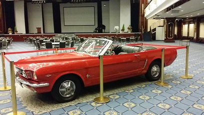 ford mustang gt cabrio oldtimer exklusiv bei limo4stars. Black Bedroom Furniture Sets. Home Design Ideas